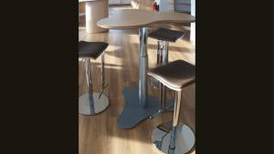 Stehtisch Brecky-Table pt7by10-Mp BT: 1102x1034mm