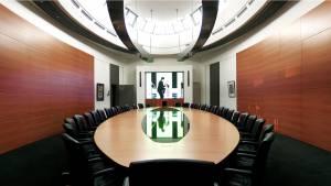 椭圆形办公室汉堡 circon s 级 12 m 会议室的桌子