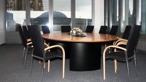 circon s 级-椭圆形会议桌-黑漆模压的脚和下腹彩绘的玻璃