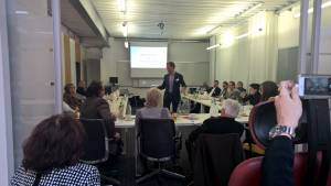 Präsentationen und Literatur: Einstiegschancen: Internet Sales & Ergonomie Meeting am 27. März 2015 von Sitwell, Vital-Office