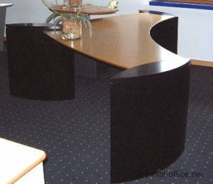 circon 行政楼翼-行政办公桌-加拿大枫叶与黑色基地